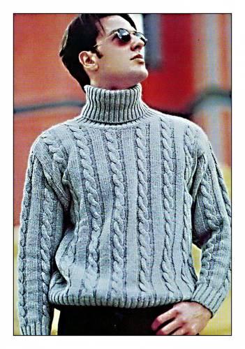 Вязаный спицами свитер для мужчин узором из кос.  Размер 48-50 МАТЕРИАЛЫ 750 г шерстяной мериносовой пряжи голубого...