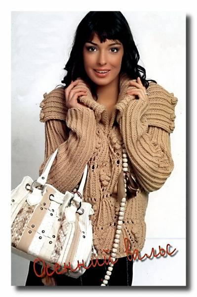 Вязание свитера с крупной вязкой.