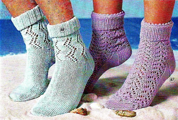 Ажурные носки (вязание спицами).  Модели из журнала Felice 3-2012.  Размеры носков: 38-39.
