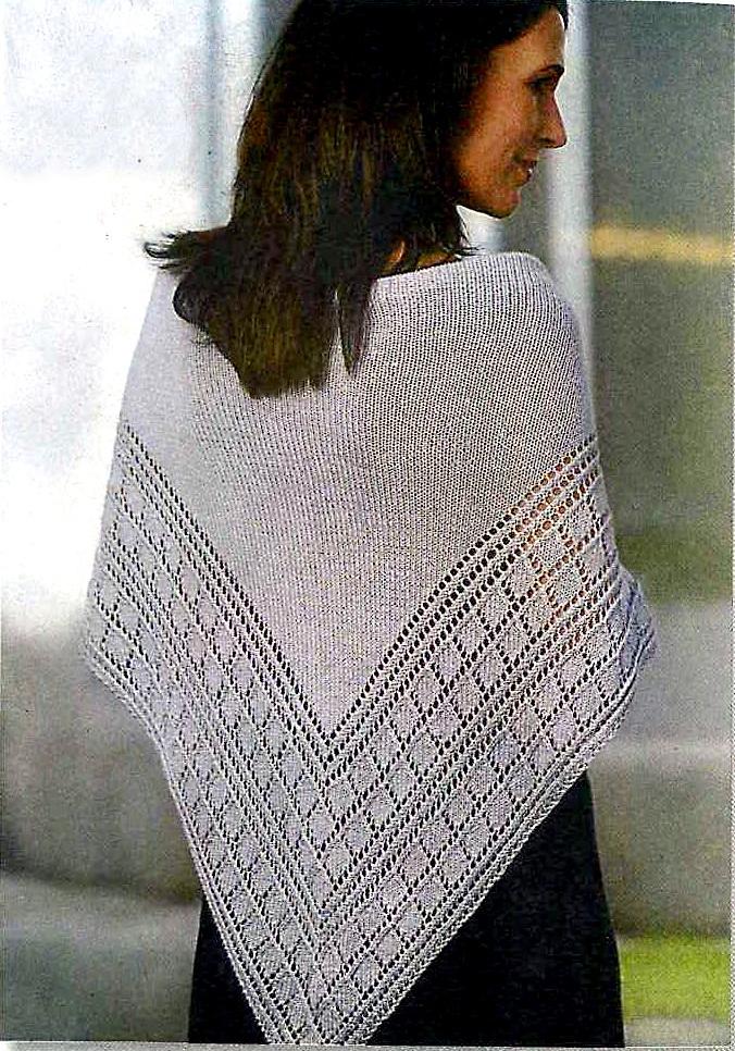 шаль, связанная спицами .