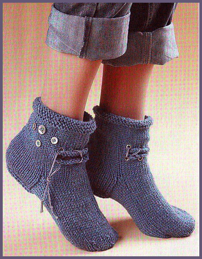 оригинальные носки спицами.