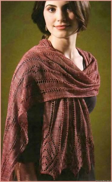 Схема вязания и описание ажурной шали спицами.