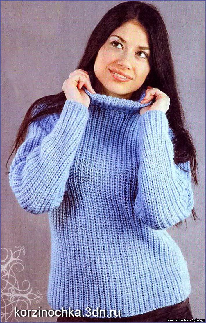 Женский теплый свитер вяжется
